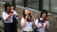 Японските ученички са институция...