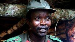 За 20 години Кони отвлича над 30 000 деца, за да ги превърне в безмилостни палачи. L.R.A. прави неуспешен опит за държавен преврат.