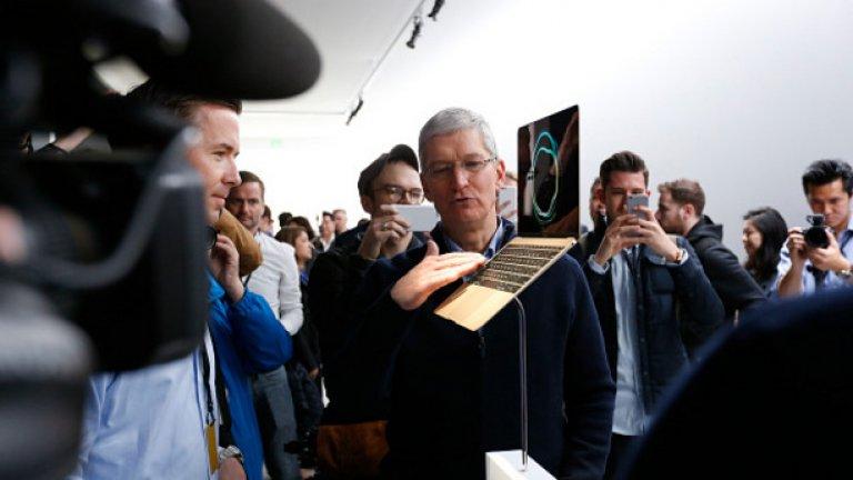 Но каквито и да са техническите му характеристики, най-коментирани си остават две неща - едното е, че Apple са избрали странния златист модел за презентацията си