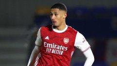 Шест месеца, след като го взе, Арсенал връща защитник във Франция