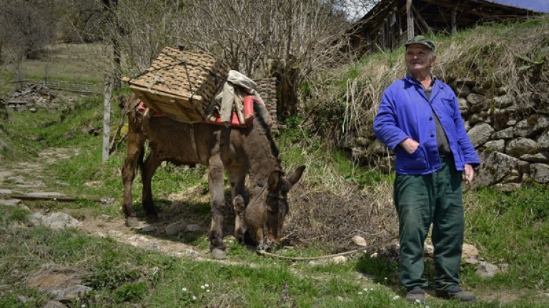 Рупеца е прекарал целия си живот в Киселчово. Работил е като лесничей и все още си спомня за времената, когато селото е било изпълнено с живот