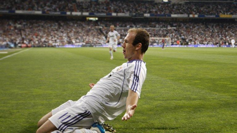 Робен имаше успех в двата сезона с Реал Мадрид, но клубът реши да го продаде след завръщането на Флорентино Перес и трансферите на Кристиано Роналдо и Кака