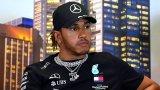 Хамилтън нападна пилотите от Формула 1, които не искат да коленичат