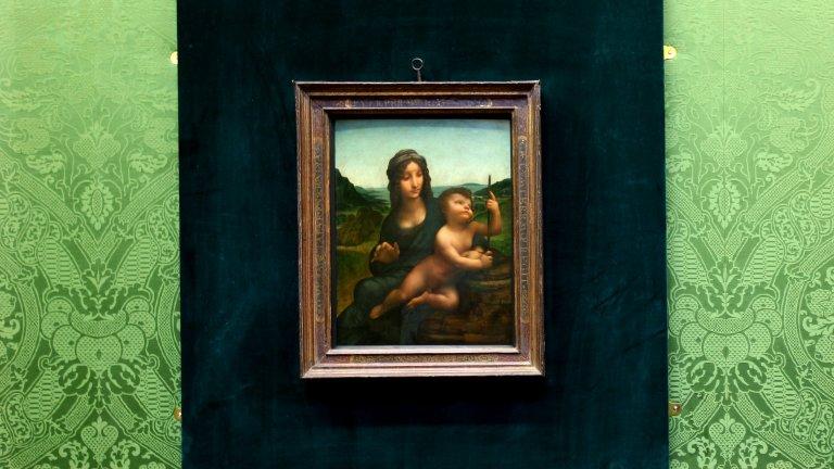 """Похитената Мадона Оценяваната на около 70 милиона евро картина на Леонардо да Винчи """"Мадоната с вретеното"""" е похитена през 2003 година от един замък в Шотландия. Крадците са двама и са посетили музея като туристи, след което обезвредили охраната и задигнали платното. От картината нямало следа в продължение на 4 години. Едва през 2007 година тя е открита от полицията в Глазгоу."""