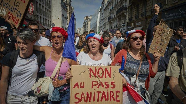 Недоволството в страната продължава да расте, както и броят на новозаразените