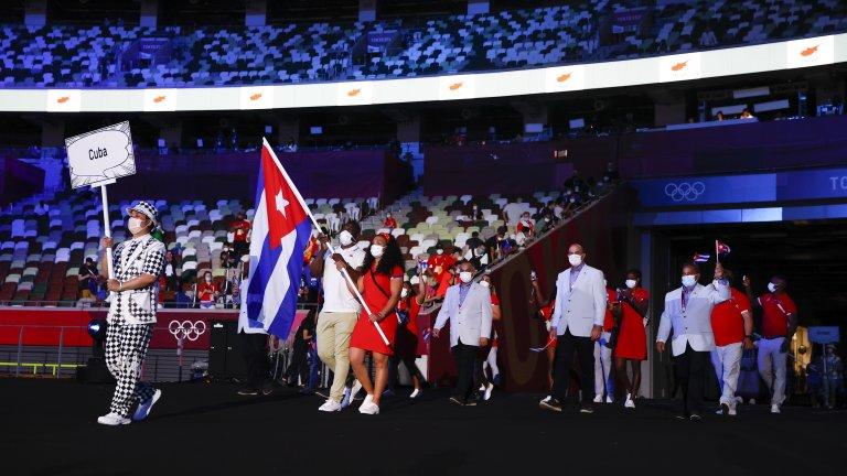 Лопес бе и знаменосец на кубинската делегация при откриването на Олимпийските игри