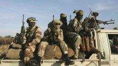 Президентът Омар ал Башир е поставен под домашен арест
