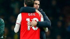 Изглежда, че Артета ще успее да интегрира отново Йозил в състава на Арсенал.