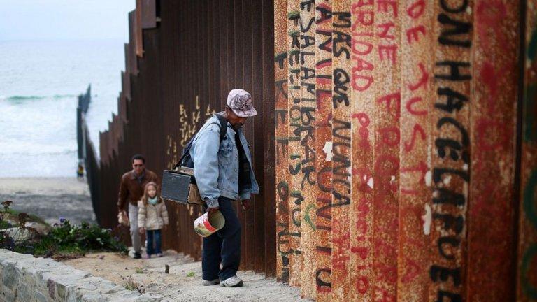 Какво планира Доналд Тръмп за стената с Мексико, колко ще струва тя, възможна ли е за изграждане и кой ще плати за съоръжението в крайна сметка? Ето всичко, което знаем дотук
