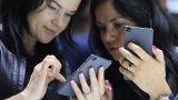Компанията представи собствена операционна система, но обяви, че засега се придържа към Android