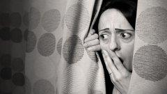 Новият вирус плаши мамите и припомня и другите им страхове