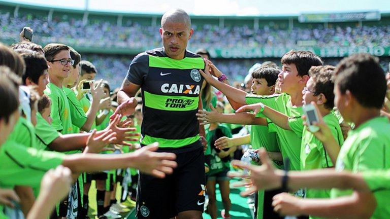 Алекс е сред най-великите бразилски голмайстори, но така и не успя да играе в голямо европейско първенство.