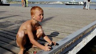 А сред най-ярките спомени са тези от пионерските лагери на Черно море - едно от трите неща, без които не минаваше нито едно лято
