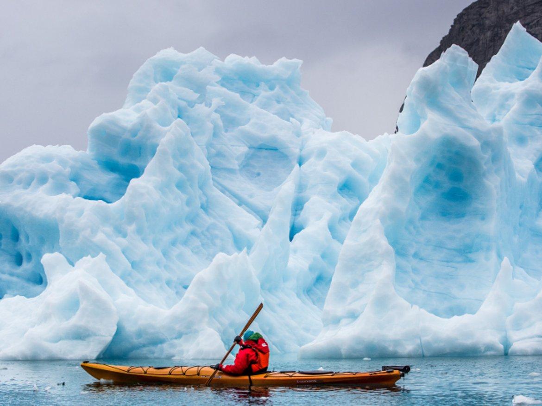 Гренландия  Според тази прогноза за 2020 г. най-безопасните страни за пътуване са концентрирани по-силно в северното полукълбо и в тях влизат Гренландия, Исландия, Норвегия, Словения, Люксембург и Швейцария.
