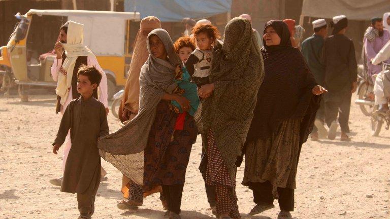 Над 70 убити и ранени в Афганистан след стрелба на талибаните