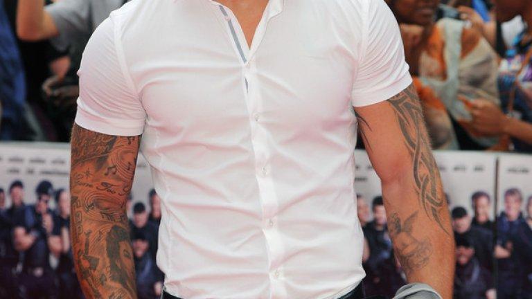 """Дан Озбърн е """"златното момче"""" на модния подиум в Есекс и на цяла Великобритания. Младежът е популярен и от британския сериал """"Towie"""""""