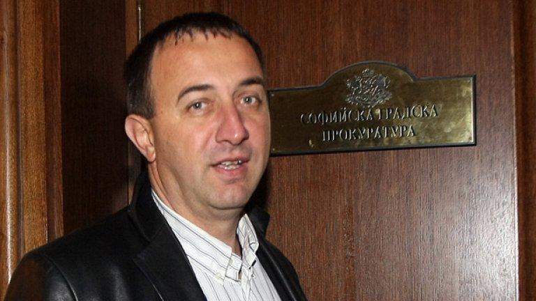 Обществото разпна на кръст зам.-градския прокурор Роман Василев за троицата разпнати на Разпети петък