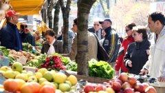 """Обувки и зеленчуци, бръснарници и месарници, наргилета и закъсали закусвални...Женският пазар - врата за """"оня свят"""""""