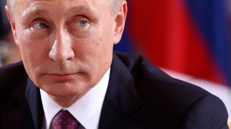 Какво се крие зад този ход? Недоволството на Путин от работата на Медведев? Новия активни действия в тихата война между различните кръгове във властта на Русия? Подготвя ли руският президент своето оттегляне или точно напротив - подготвя почвата за своята власт след края на мандата си през 2024 г.? И какво въобще значи новия пост на Медведев - зам.-председател на Съвета на сигурност на Русия?  Въпросите са много, а отговорите, типично за Кремъл под управлението на Владимир Путин - твърде малко.