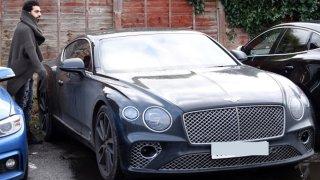 """""""Скромният"""" Салах има Bentley, Lamborghini Aventador и... Toyota"""
