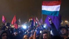 Миналата година в Будапеща се проведоха протести срещу законопроекта за прехвърляне на контрола върху административните съдилища. Тогава критиците на реформата предупредиха, че това ще доведе до политическа намеса в съдебните процеси и ще навреди на законността в страната.