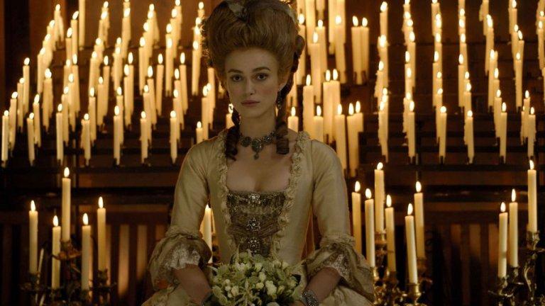 """Найтли в ролята на херцогинята на Девъншир във филма """"Херцогинята"""" (където, да, има гола сцена)."""