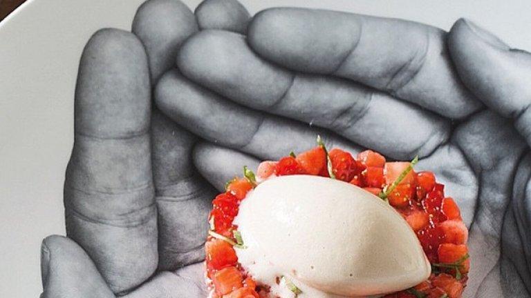 Ягоди със сладолед с черен пипер, приготвени от Амбер