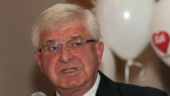 Здравният министър Кирил Ананиев признава за проблема с недостига на кадри