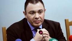 """ГЕРБ смята да """"подаде"""" оставката на Светлозар Лазаров със закон"""