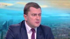 Той отправи остри критики към регионалното министерство заради липсата на решения по казуса