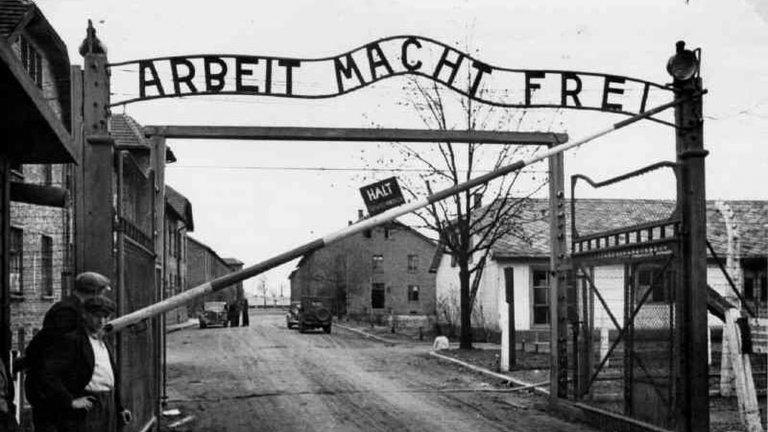 Шампионът от Аушвиц, който се биеше с нацистите за залък хляб, и го споделяше с другарите си