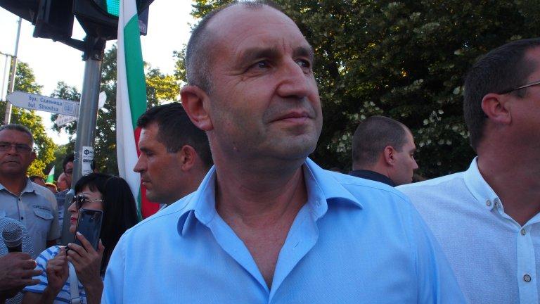 Той призова и полицията, и демонстрантите да избягват провокациите и насилието