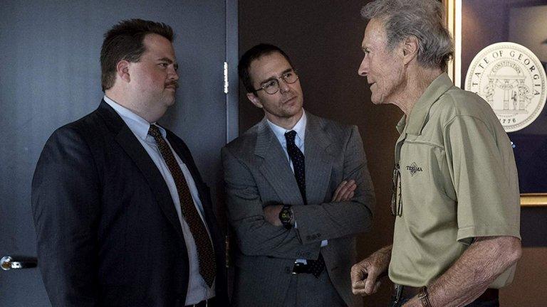 """Случаят """"Ричард Джуъл""""/ Richard Jewell   Още един филм, който е основан на действителни събития, този път – под режисурата на Клинт Истууд. Сюжетът разказва за охранител, който е несправедливо обвинен от репортер, че подготвя атентат по време на Олимпийските игри в Атланта през 1996 г. Ричард Джуъл открива изоставена раница в олимпийския комплекс и подава сигнал, като спасява живота на десетки.  Впоследствие обаче е заподозрян, че сам е подготвял покушението и от герой се превръща в един от най-мразените хора в Америка. Три месеца по-късно е напълно оправдан от федералните власти, но така и не успява да превъзмогне шока и умира от сърдечен удар.  В ролята на Ричард Джуъл ще видим Пол Уолтър Хаусър. В образа на неговия адвокат влиза Сам Рокуел, а в този на неговата майка – Кати Бейтс. Освен тях участва и самият Клинт Истууд, както и Оливия Уайлд и Джон Хам.   Премиерата в България е на 10 януари."""