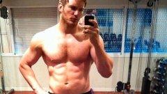 Това е първият кадър, който Крис пусна в Twitter след трансформацията си, в която за 1 година свали близо 17 килограма