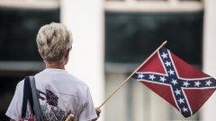 За много американци това знаме е символ на робството и расовите конфликти