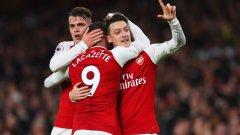 Голът на Йозил завърши страхотния обрат, който Арсенал направи само за няколко минути, но Ливърпул успя да стигне до 3:3 с гола на Фирмино