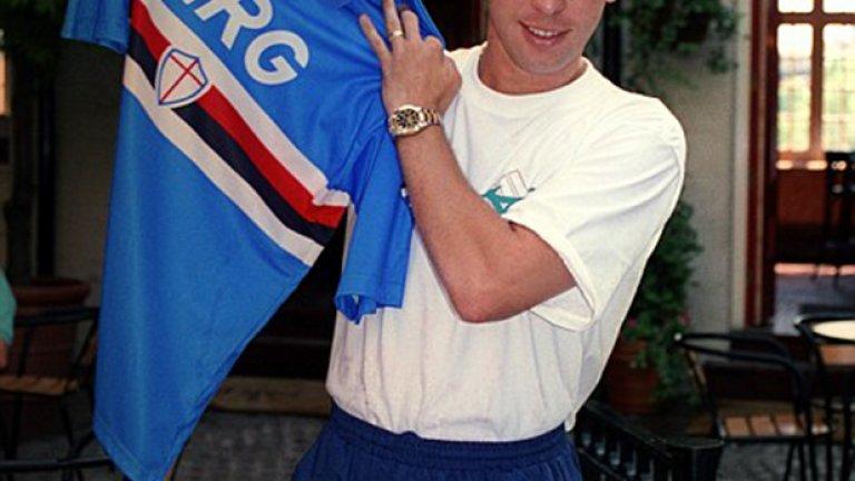 Дейвид Плат започна кариерата си в Крю и Астън Вила, но през 1993-а премина в третия си пореден италиански клуб. През тази година той подписа със Сампдория, идвайки от Ювентус срещу 5.2 млн.