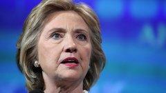 """Клинтън призова ФБР да разкрие всички факти """"незабавно"""""""