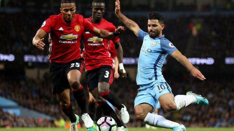 """Манчестър Юнайтед – Суонзи, неделя 14:00 часа """"Червените дяволи"""" играха грозно, но взеха точка и увеличиха поредицата си без загуба във Висшата лига на 24. Юнайтед обаче остана извън топ 4, на точка зад Сити. Сега тимът на Жозе Моуриньо ще има възможност да се върне на победния път и да влоши още повече ситуацията в Суонзи. """"Лебедите"""" са под чертата и въпросът дали ще се спасят най-вероятно ще намери отговора си чак в последния кръг. Юнайтед ще е без Погба, Рохо, Ибрахимович, Мата, Смолинг и Джоунс, но Моуриньо разполага с достатъчно качество да надвие тим като Суонзи на """"Олд Трафорд"""". Сигурна прогноза: 1 – 1,40 Рисков залог: 1/1 при Първо полувреме/Краен резултат – 2,10"""