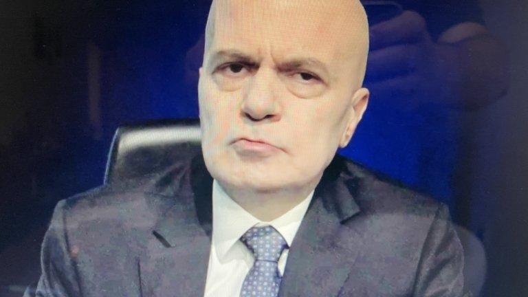 """Трифонов: """"Има такъв народ"""" вече е в опозиция"""