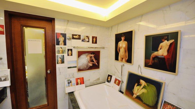 """Обирът от частна колекция През 2008 година въоръжени лица задигат четири картини на стойност 180 милиона швейцарски франка от частната колекция на Емил Бюрле в Цюрих. """"Момче с червена жилетка"""" на Сезан, """"Цъфтящи кестенови клони"""" на Винсент ван Гог, показаната на снимката """"Макове близо до Ветьой"""" на Клод Моне и """"Людовик Лепик и дъщерите му"""" на Едгар Дега по-късно са отново намерени."""
