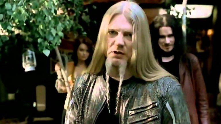 Nightwish - While Your Lips Are Still Red Nightwish може би не са очаквано име в тази компилация, но While Your Lips Are Still Red има всичко нужно да присъства тук.