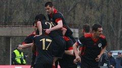 Мачът Локомотив (Мездра) - Левски бе считан от мнозина за сигурно уреден за победа на гостите. Резултатът 1:1 обаче опроверга тези прогнози. Смятате ли, че това се отнася за повечето съмнения за уговорени срещи от българското първенство или обикновено има основание да се твърдят подобни неща?