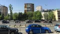 Мотористи от цяла България пристигнаха в София за протеста, който се провежда пред Народното събрание. Те протестират срещу целогодишните застраховки, които влязоха в сила от тази година