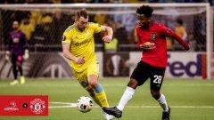 19-годишният Дишон Бърнард коства победата на Манчестър Юнайтед с автогол и грешка за другия гол
