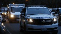 Конвой от линейки и спешни автомобили се насочва към Дома за ветерани.