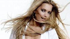 """Красивата съпруга на Рафаел ван дер Ваарт - Силви бе определена от английския The Sun за №1 на """"Уайт Харт Лейн"""""""