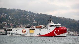 Отношенията между Атина и Анкара са крайно обтегнати, а цената е висока - кой ще ползва природните ресурси на Източното Средиземноморие
