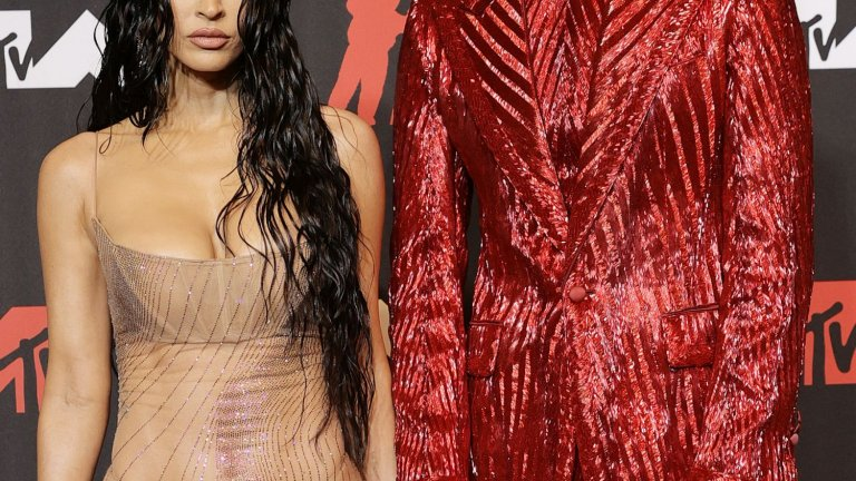 """MGK и """"голата"""" рокля на Меган Фокс"""