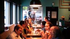 """Ресторант в хотел """"Маринела"""" и още 5 заведения с нарушения на мерките"""
